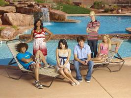 Muzikál ze střední 2 - High School Musical 2
