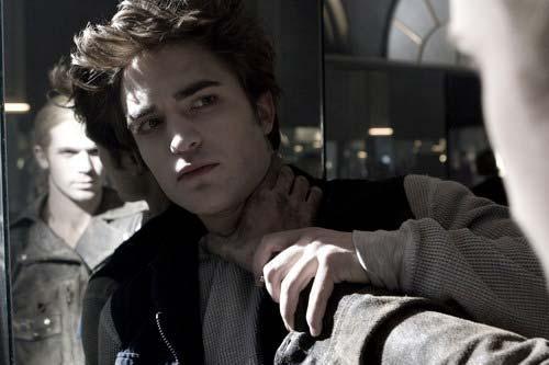 Stmívání, Robert Pattinson
