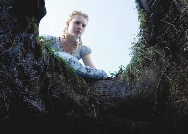 Alenka v říši divů, Mia Wasikowska