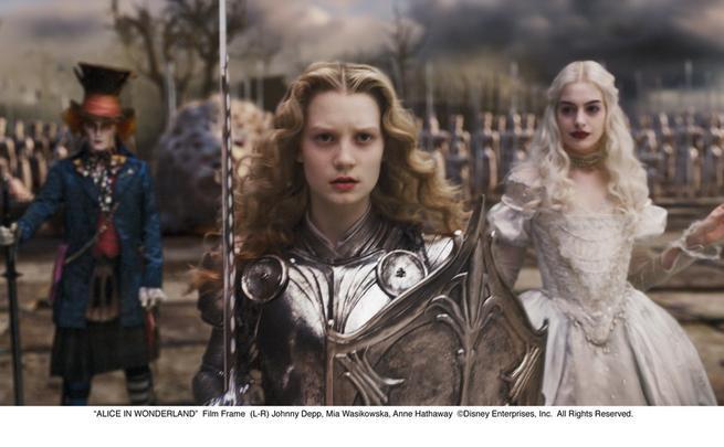 Alenka v říši divů, Johnny Depp, Mia Wasikowska, Anne Hathaway