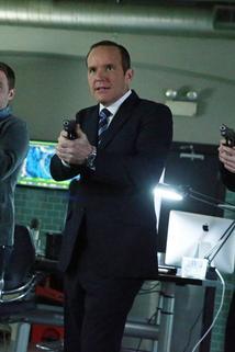 Agenti S.H.I.E.L.D. - S.O.S. část 1  - S.O.S. Part 1