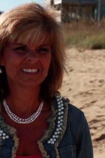 Beachfront Bargain Hunt - A North Carolina Woman Searches for Her Perfect Beachfront Get Away