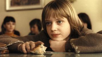 Dívka s mušlí
