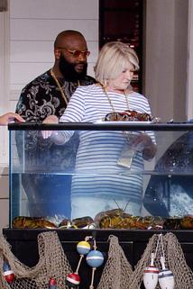 Martha & Snoop's Potluck Dinner Party - Keep Your Claws Off Me  - Keep Your Claws Off Me