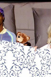 Martha & Snoop's Potluck Dinner Party - Bringing Home the Bacon  - Bringing Home the Bacon