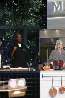 Martha & Snoop's Potluck Dinner Party - Something Fishy  - Something Fishy