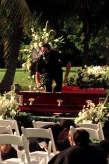 Kriminálka Miami - Vrah z hrobu  - From the Grave