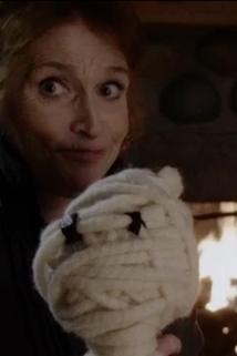Hodina duchů - Mrs. Worthington  - Mrs. Worthington