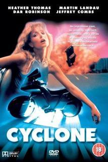 Cyklón  - Cyclone