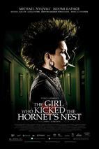 Plakát k filmu: Dívka, která kopla do vosího hnízda