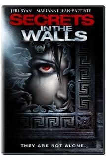 Posedlá zlem  - Secrets in the Walls