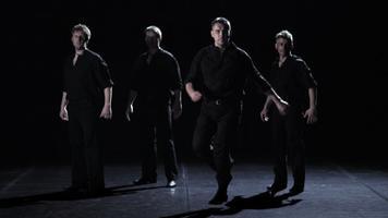 Tanec mezi střepinami