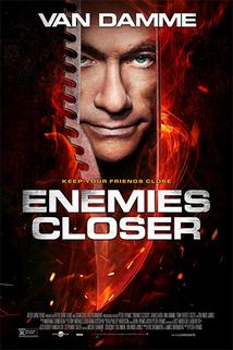 Smrtelná aliance  - Enemies Closer